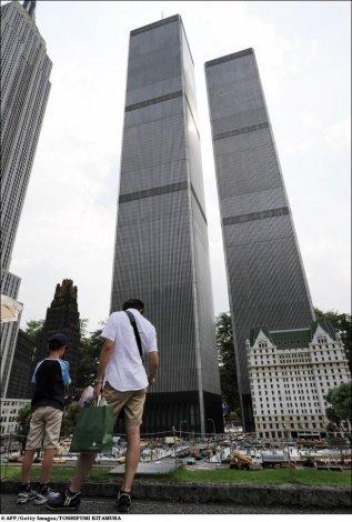 Знаменитые строения в масштабе 1:25 (14 фото)
