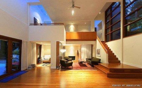 Сумеречный дом выставлен на продажу (15 фото)