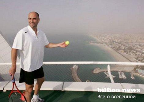 Теннисный корт на высоте 300 метров (13 фото)