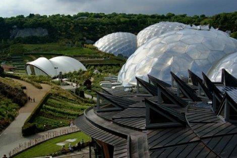 Самые невероятные здания в мире (64 фото)