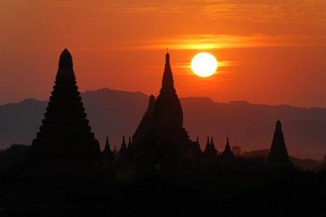 Город миллиона храмов (12 фото)