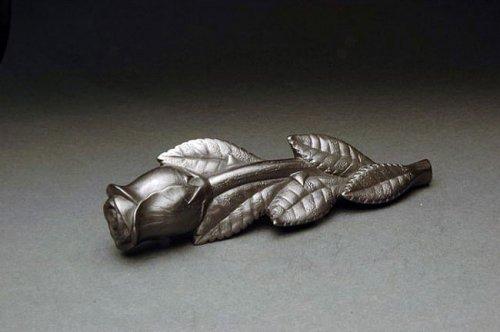 Миниатюрные скульптуры из графита (19 фото)