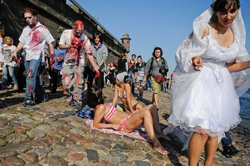 Парад Зомби в Питере (10 фото)