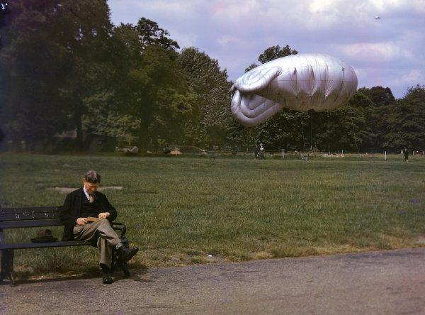 Цветные фот о Лондона времен Второй мировой (14 фото)