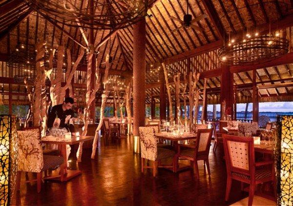Эксклюзивный отель Four Seasons на Бора-Бора (18 фото)