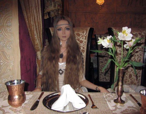 Одесситка превратилась в живую Барби (16 фото)