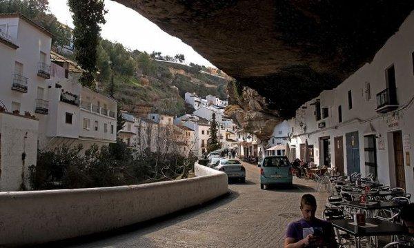 Сетениль де лас Бодегас: город-скала (20 фото)