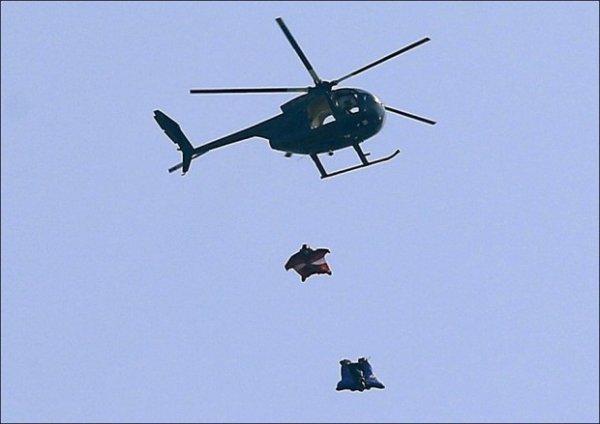 Британец прыгнул без парашюта с высоты 700 метров (8 фото)