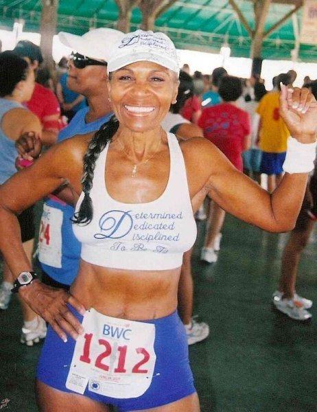 Эрнестин Шеперд – 75-летняя старушка-бодибилдер (12 фото)