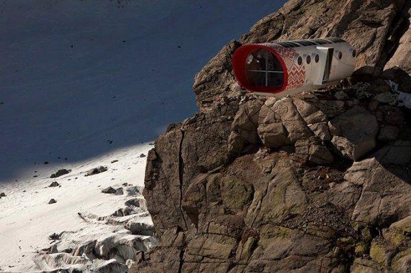Самый опасный отель в мире (11 фото)