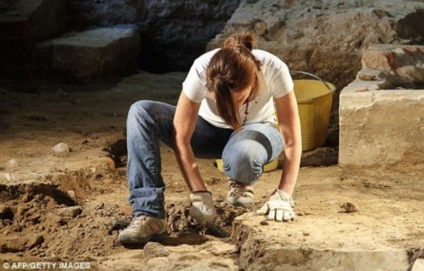 Обнаружены останки Моны Лизы (11 фото)