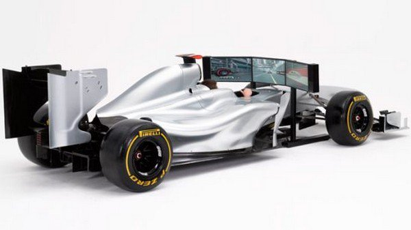 Полноразмерный гоночный симулятор Формулы-1 за 145.000$ (2 фото)