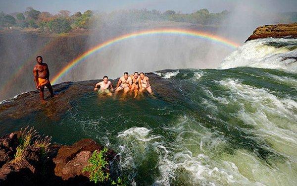 Опасные туристические направления (10 фото)