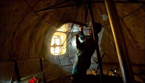 В Китае построили спасательные шары, в которых можно пережить Конец Света (12 фото)