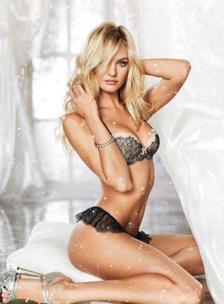 Праздничный фотосет с ангелами Victoria's Secret (10 фото)