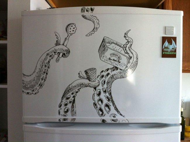 Рисунки на холодильнике от Чарли Лейтона (15 фото)