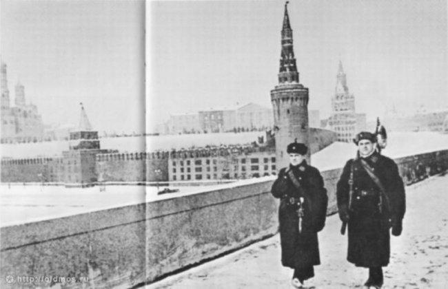 Маскировка московского кремля в годы Великой Отечественной войны (6 фото)