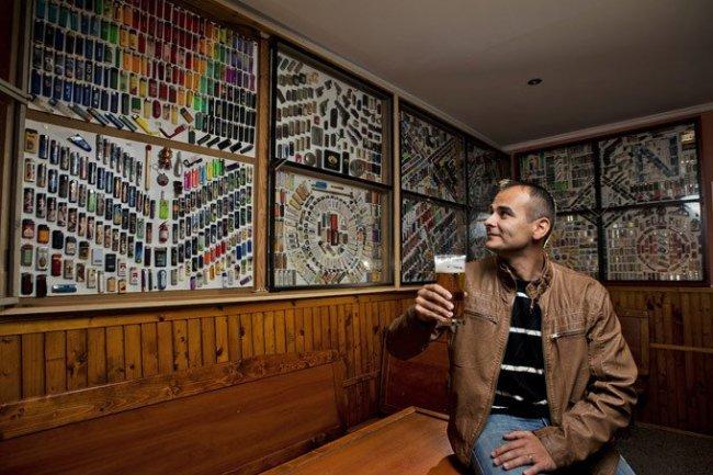 Самая большая коллекция зажигалок в словацком пабе (7 фото)
