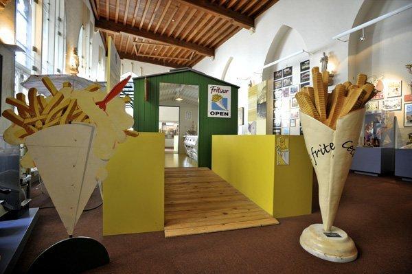 В Бельгии открылся музей, посвящённый картофелю фри (7 фото)