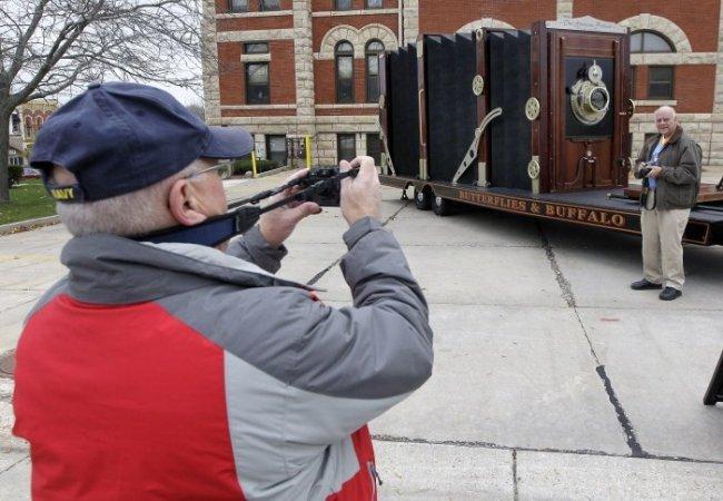 Самый большой в мире фотоаппарат (5 фото)