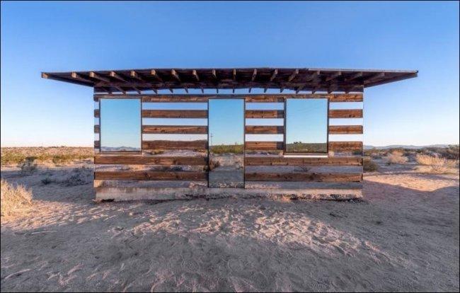 Дом-невидимка в пустыне Мохаве (13 фото)
