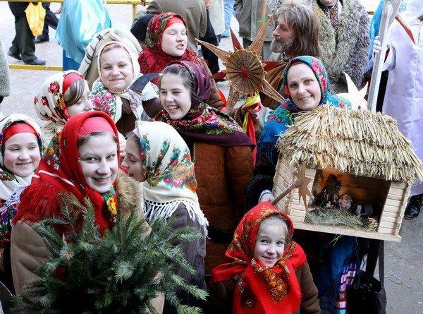 10 удивительных рождественских традиций со всего мира (11 фото)