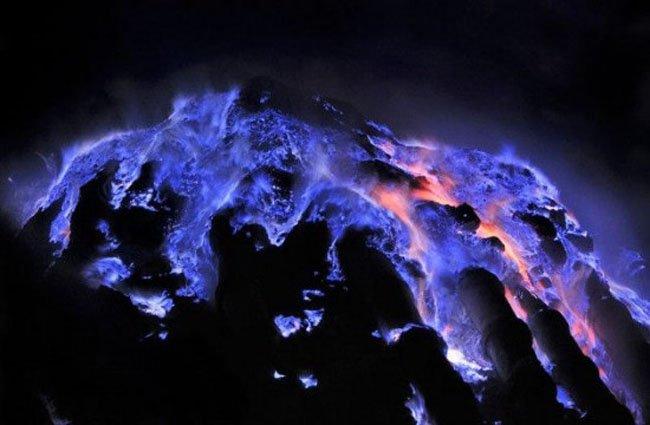 Кава Иджен - вулкан с фиолетовой лавой (5 фото + видео)