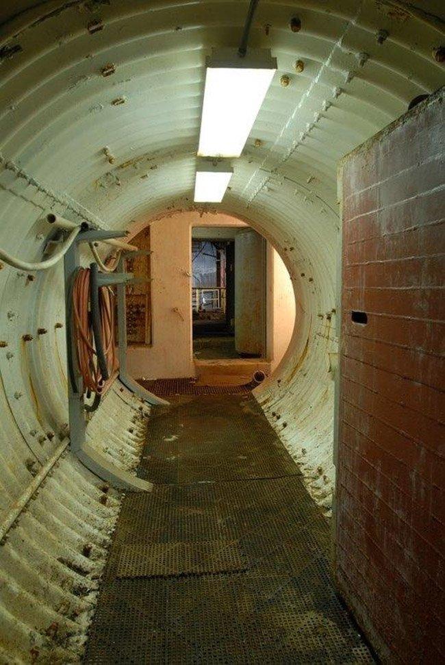 Частное бомбоубежище (17 фото)