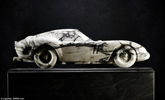 Мраморный Ferrari 250 GTO (8 фото)