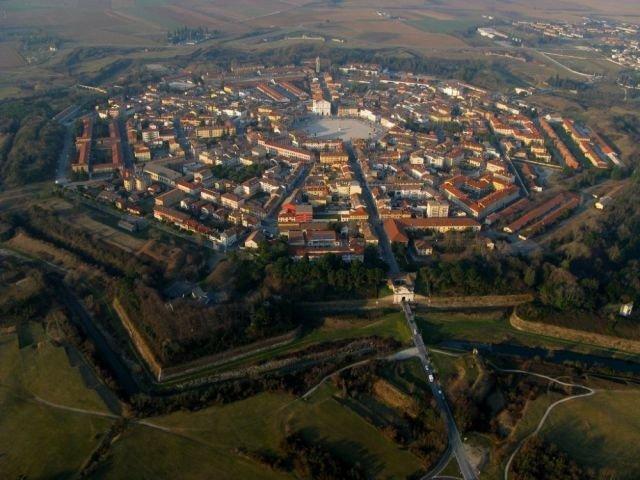 Город-крепость Пальманова (12 фото)