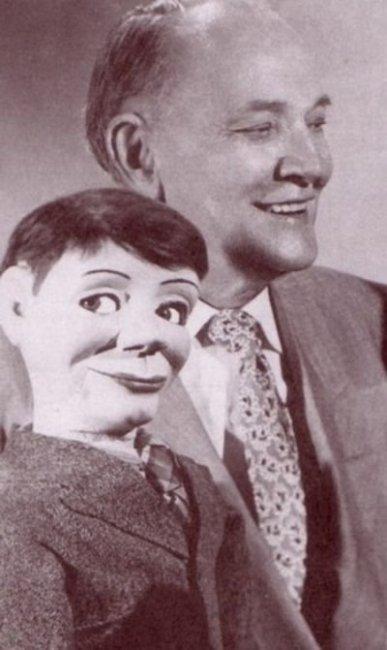 Кукла-преступник из начала XX века (3 фото)