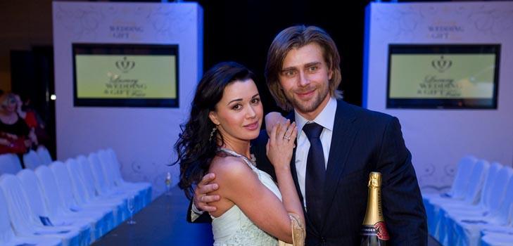 Заворотнюк и ее муж стали ведущими популярной программы на Первом