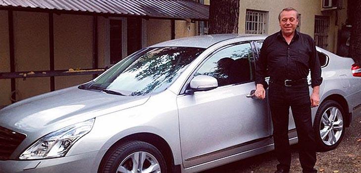 Алексей Воробьев купил родителям автомобиль