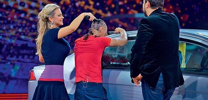Анна Семенович стала телеведущей и…парикмахером