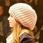 Модные вязаные шапки зима 2014: фото самых модных женских головных уборов