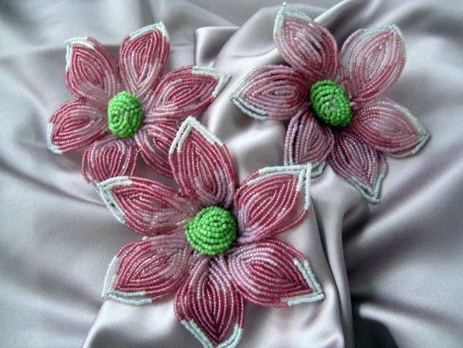 Бисероплетение для начинающих: цветы из бисера