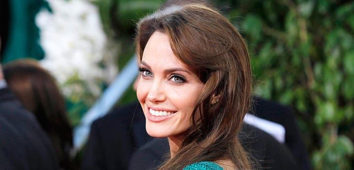 Анджелина Джоли купила сыну «ругательную» игрушку