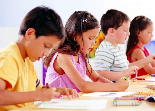 Как научить малыша рисовать?