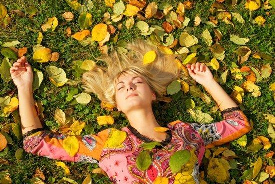 Как ухаживать за волосами осенью: 5 правил