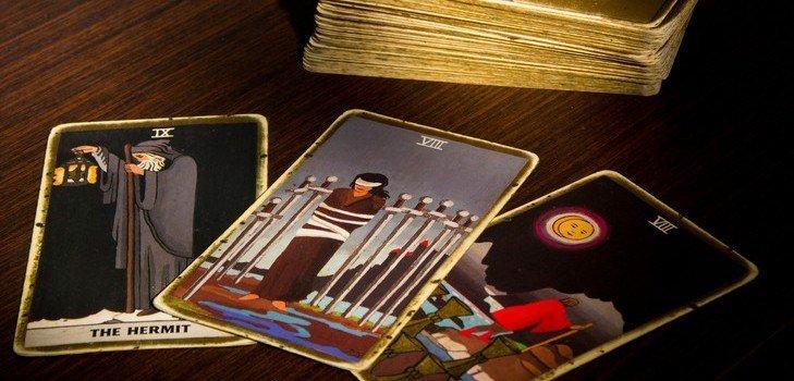 Гадание Таро на будущее, как научиться гадать на картах Таро, гадание Таро на будущую любовь, научиться гадать на Таро бесплатно
