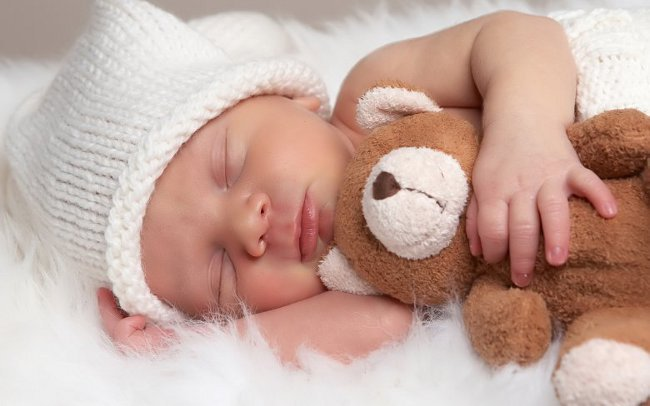 Гнейс у новорожденных