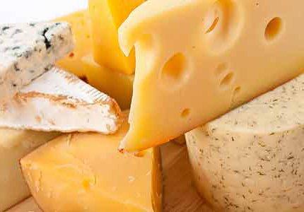 К чему снится сыр: толкование по разным сонникам