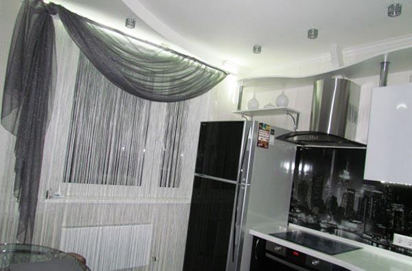 Дизайн тюли с балконом