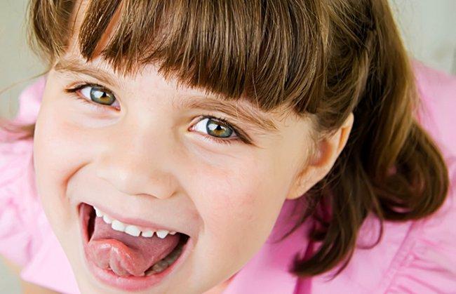 Налет на языке у ребенка