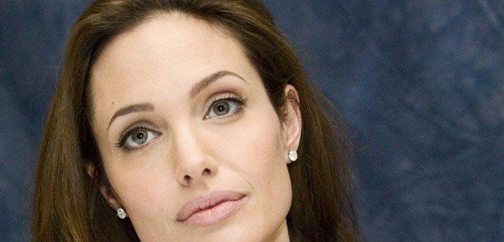 «Макияжная» катастрофа Анджелины Джоли