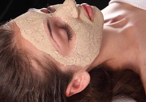 Маски для комбинированной кожи: разновидности и очередность применения