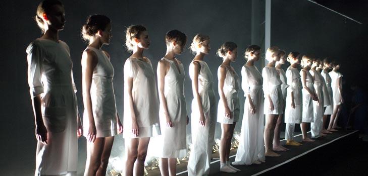 Коллекция, у которой «Сбоку бантик», покорила зрителей на московской Неделе моды