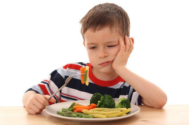 У ребенка плохой аппетит: последствия насильного кормления