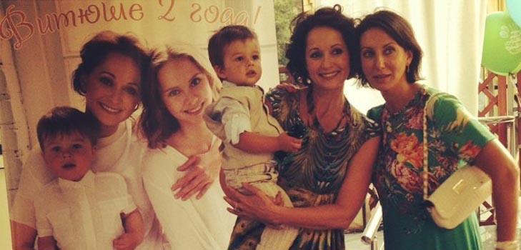 Ольга Кабо отпраздновала двухлетие сына со своими звездными подругами