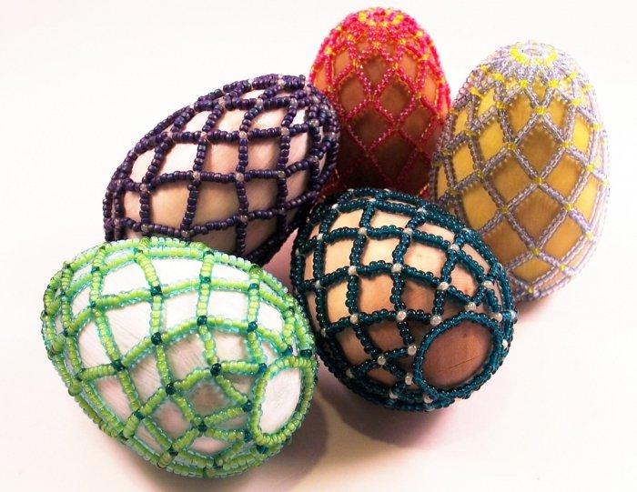 Поделки к Пасхе: как оплести яйцо бисером